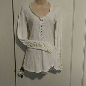 Free People long sleeve button up T-shirt M